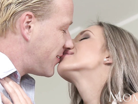 Skinny blonde milf lets him cream her cunt