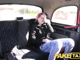 Pink haired emo chick is showing off her yummy ass to cab driver