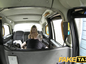Slutty chick undressed in cab to excite the driver