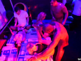 Horny chicks are pleasuring orgy fuck at night club