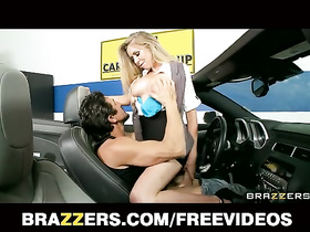 Amazing Brynn Tyler serves a rich dick on his sport car