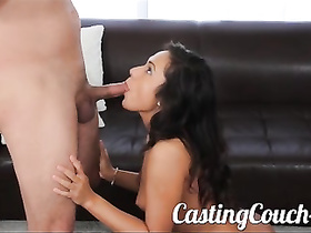 Teen babe gives her hot ass for deep probing