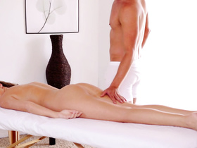 Sexy muscled masseur dude hotly excites wonderful brunette