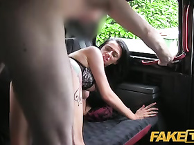 Driver lavishly creams amateur pussy in his back sit