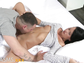 Sultry Mia Manarote and sexy Martin Gun plunge into sex